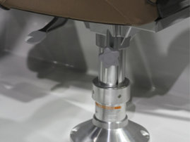 Height-adjustable pedestal for comfort seat (Shark CCX)